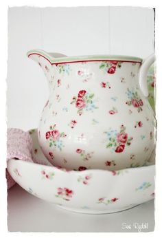 Sommerhusliv all year : GreenGate Claire Pitcher and Heidi Bowl