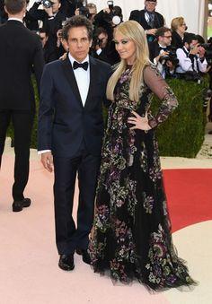 Ben Stiller e Christine Taylor, ambos de Valentino