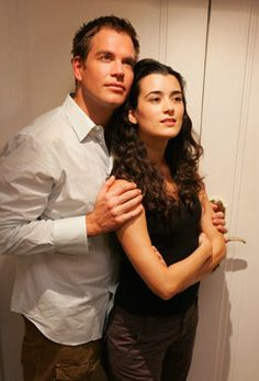 Michael Weathrly and Cote de Pablo- Such a beautiful picture!