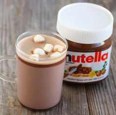 Nutella Hot Chocolate Recipes This rich Nutella hot chocolate is the perfect beverage to keep you warm this winter. Nutella Banana Bread, Nutella Hot Chocolate, Hot Chocolate Recipes, Easy Microwave Recipes, San Diego Food, Chocolates, Get Thin, Nutella Recipes, Cravings