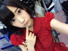 HKT48 Sakura Miyawaki Japanese selfie