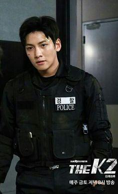 kim jeha is taking action still the K2 ep11 Jichangwook