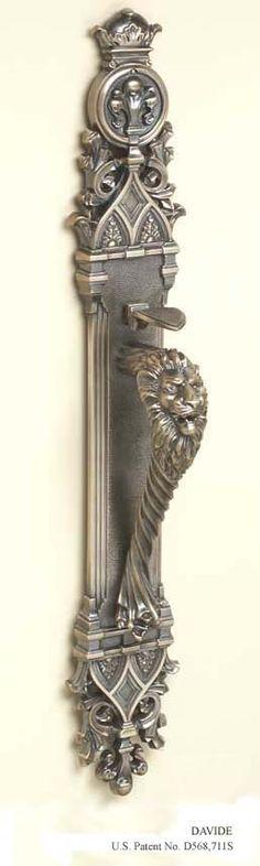 picaporte león guardián de bronce Francia.