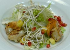 Ensalada Templada de Vieiras Cabbage, Spaghetti, Chicken, Meat, Vegetables, Ethnic Recipes, Tropical, Food, Sauces