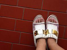 My cousin's shoes | chiel