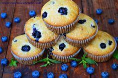 Briose cu afine - CAIETUL CU RETETE Blue Berry Muffins, Blueberry, Goodies, Breakfast, Desserts, Recipes, Room Decor, Food, Baby