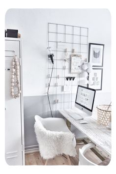10 Minimal office spaces that you will be smitten with (Daily Dream Decor) – Home Office Design İdeas Office Interior Design, Home Office Decor, Office Interiors, Home Decor, Office Ideas, Office Inspo, Office Designs, Luxury Interior, Room Interior