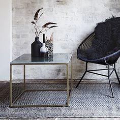Table basse carrée plateau marbre et métal antique Madam Stoltz