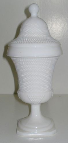 Vintage LE Smith milk glass apothecary candy covered jar... Beautiful!