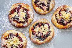 Příjemná změna v záplavě drobného cukroví. Muesli, Granola, Mince Pies, Love Cake, Yummy Cookies, French Toast, Cheesecake, Muffin, Food And Drink