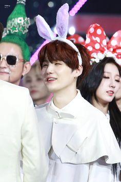 he's the real bunny, nobody can change my mind. Taehyung, Jimin, Kim Namjoon, Min Yoongi Bts, Min Suga, Daegu, Foto Bts, Mixtape, K Pop