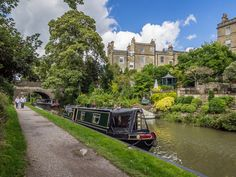 Week spent cruising in a canal boat on the Kennet & Avon Canal, near Bath, England Roman Bath Spa, Quick Weekend Getaways, Canal Boat, Narrowboat, Beautiful Places In The World, British Isles, Great Britain, Places To See, Travel Destinations