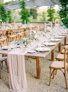 A Rustic, Nature-filled and Intimate Tuscan Wedding - The Wedding Notebook magazine Wedding Table, Our Wedding, Destination Wedding, Wedding Ideas, Hiding In The Bushes, Wedding Notebook, Wedding Letters, Under The Tuscan Sun, Tuscan Wedding