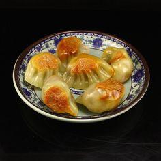 中國福建 連江黃壽山石 象形 煎餃 Chinese Shoushan Stone Dumpling Statue Come With Plate w Certificate