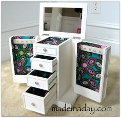 A GREAT tutorial for a jewelry box makeover.