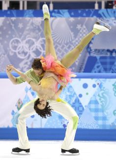 DAY Nathalie Pechalat and Fabian Bourzat of France compete during Figure Ska. Ice Skating Pictures, Ice Dance, Winter Pictures, Figure Skating, Most Beautiful Pictures, In The Heights, Olympics, Skate, Champion