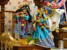 Daily Darshan (08-10-12) Sri Sri Radha Kunjabihari @ISKCONPune