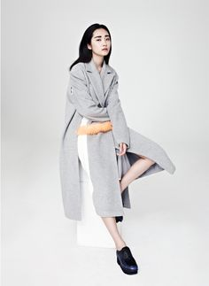 taste of LOW CLASSIC, grey wool long coat with fur accent detail #minimalist #fashion #style