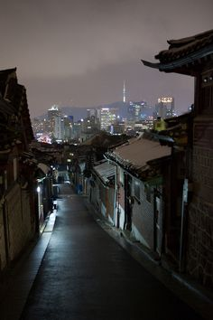 59 trendy photography night seoul - South Korea Travel Destinations Backpack Backpacking Vacation Asia Wanderlust Budget Off the Beaten Path Night Aesthetic, Korean Aesthetic, City Aesthetic, Aesthetic Grunge, Seoul Skyline, Belle Villa, Night City, City Lights, Architecture