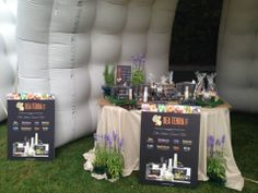 here you are....our wonderful stand!
