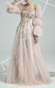 Get inspired and discover Rachel Gilbert trunkshow! Shop the latest Rachel Gilbert collection at Moda Operandi. Beautiful Gowns, Beautiful Outfits, Rachel Gilbert, Prom Dresses, Formal Dresses, Wedding Dresses, Mode Editorials, Fantasy Dress, Gowns With Sleeves