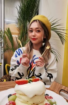 Cute Korean Girl, Queen, Kpop Groups, Bb, Female, Girls, Daughters, Show Queen, Maids