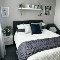best modern bedroom wall decor ideas to try 00017 Home Decor Bedroom, Home Bedroom, Bedroom Interior, Bedroom Design, Luxurious Bedrooms, Master Bedrooms Decor, Small Bedroom, Room Ideas Bedroom, Apartment Decor