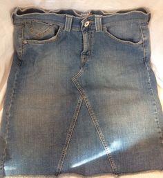 Womens Levi's Jean Skirt Size 10 Blue  EUC #Levis #StraightPencil