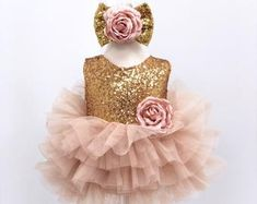 Gold sequin mother daughter matching tutu dress, sequin dresses for Mom and baby, girls party dress, Mommy and Me dresses peach tulle dress Paillettes oro madre figlia figlia abbinato abito tutu paillettes Mommy And Me Dresses, Baby Girl Dresses, Baby Dress, Baby Girls, Girl Tutu, Dress Girl, Kids Girls, First Birthday Outfit Girl, First Birthday Dresses