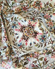 One of my favorites - Common Bride  #laundrybasketquilts #edytasitar #scraps…