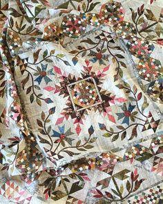 One of my favorites - Common Bride  #laundrybasketquilts #edytasitar #scraps…
