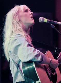 We have choice of ways you see. Laura Marling, Who Runs The World, Lie To Me, Bangs, Musicians, Concert, Girls, Hair, Beauty