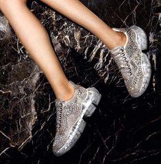 1cd1d45408 Primavera nueva venta caliente de diamantes de imitación de cristal de las  mujeres zapatillas de deporte