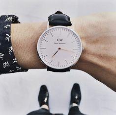 Clean lines and a minimalistic face. Find it at www.danielwellington.com. #fblogger #fashioninspo #preppy #prepster #watch #fashion