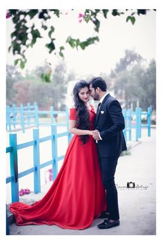 "Raman Saluja Photography ""Kirti & Atul (Pre-Wedding)"" Love Story Shot - Bride and Groom in a Nice Outfits. Pre Wedding Poses, Pre Wedding Photoshoot, Wedding Shoot, Wedding Couples, Dress Wedding, Wedding Album, Bridal Shoot, Indian Wedding Couple Photography, Wedding Photography Poses"