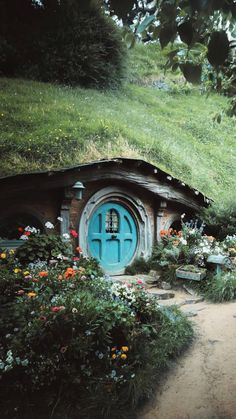 A Comprehensive Overview on Home Decoration - Modern Hobbit Door, O Hobbit, Casa Dos Hobbits, Fairytale House, Sustainable Architecture, Building Architecture, Residential Architecture, Contemporary Architecture, Natural Building
