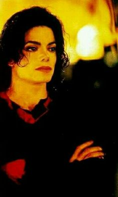 Janni Tholstrup Jorgensen uploaded this image to 'Michael Jackson - HIStory Era'. See the album on Photobucket. You Give Me Butterflies, Earth Song, Michael Jackson Pics, King Of Music, Free Youtube, We Are The World, Film Movie, Movies, American Singers