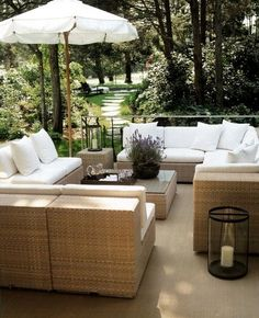 This beautiful outdoor sitting space is simple, clean and crisp.