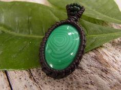 How to a macrame knot wrap malachite stone pendant - YouTube