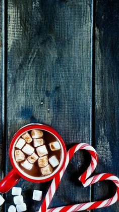 Christmas Wallpaper – Hot Chocolate and Christmas Canes ⛄ ? Christmas Wallpaper for Mobile decoration ? Christmas wallpaper – pink with a glittered…? Backround for christmas mobile – Background with… hot chocolate Top view of traditional… Wallpaper Natal, Holiday Wallpaper, Tree Wallpaper, Rustic Christmas, Winter Christmas, Christmas Time, Christmas Ideas, Christmas Quotes, Winter Snow