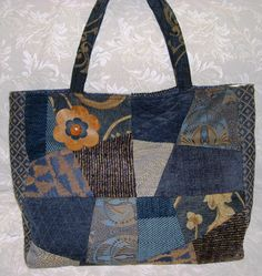 Quiltscapes Quilting I always love a denim bag.  This one is understated and fun at the same time.