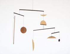 Beautiful, simple mobiles from Fort Makers ( via Cirkus)
