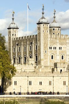 The White Tower, Tower of London was built in 1078 by William the Conqueror