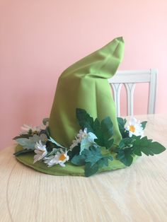 Share your tutorials, tips, and questions on all things craft related! Diy Costumes, Cosplay Costumes, Aestheticly Pleasing, Moomin Valley, Cosplay Diy, Diy Hat, 3rd Birthday Parties, Green Fabric, Hallows Eve