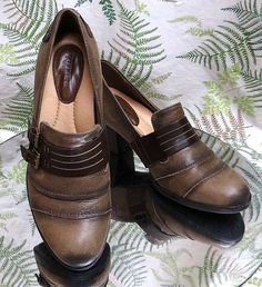 52acfa9d5b4 EARTH BROWN LEATHER LOAFERS SLIP ONS WORK DRESS HEELS SHOES US WOMENS SZ  6.5 B
