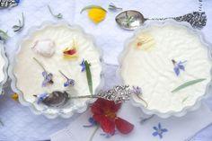 Edible Flowers to Grow Elderberry Flower, Garlic Flower, Chive Blossom, Best Edibles, Vegetable Bed, Elderflower, Edible Garden, Edible Flowers, Day Lilies