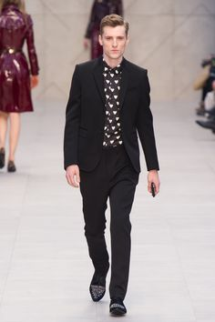 Burberry 2013AW. Follow Sneak Outfitters for the latest trend reports on men's fashion. www.sneakoutfitters.com