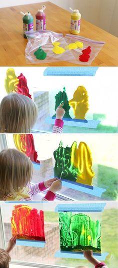Op een leuke manier leren hoe je kleuren mengt; Rood met geel wordt...oranje! Blauw en geel wordt....groen! Rood en blauw wordt...paars! Kids Crafts, Toddler Crafts, Projects For Kids, Diy For Kids, Art Projects, Toddler Play, Baby Play, Infant Toddler, Infant Activities