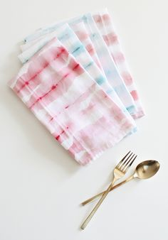 | DIY Watercolor Striped Napkins ~ I have some old white napkins and this is going to be perfect |