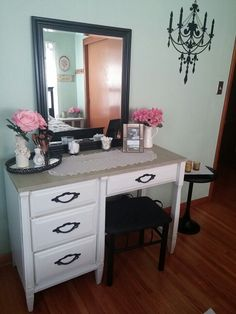 Makeup table, vanity,  dressing table, shabby chic, makeup table decor